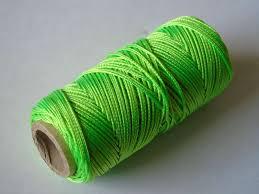 Uitzetdraad, metselkoord, uitrekbaar touw